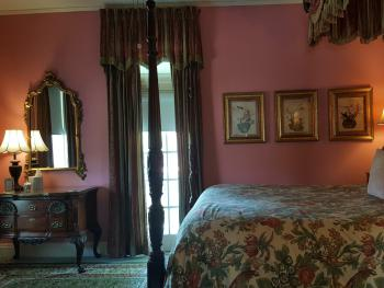 Queen Anne Guest Room