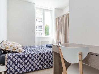 Appartement-Basic-Salle d'eau-Terrasse-1er étage