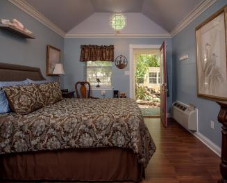 Double room-Ensuite-Standard-Courtyard view-Blue Heron Cottage - Base Rate