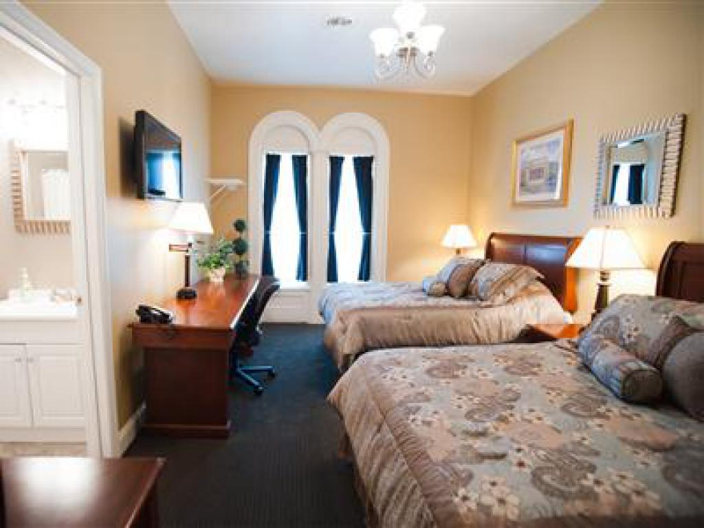 Double room-Standard-Private Bathroom-212- 2 Full Size Beds