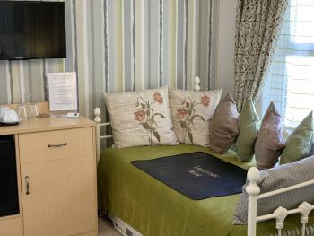 Room 5, Day bed, also has another bed that can be pulled out, but only available by booking direct with the Eiders, Not available online.