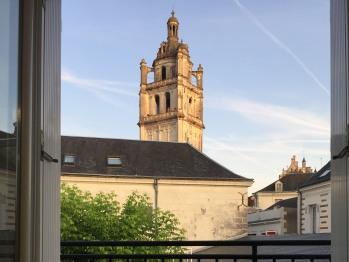 Vue Tour ST Antoine du balcon Gîtes Agnès Sorel
