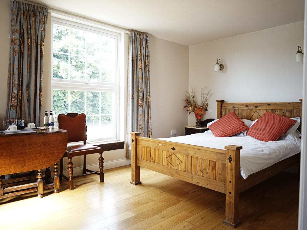 Double room-Superior-Ensuite with Shower-Mountain View - £95.00