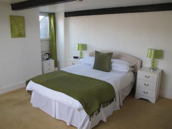 Double room-Ensuite-Large Loft - Base Rate