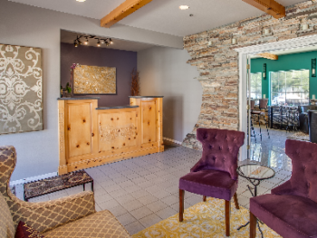 Welcome to Leavenworth Village Inn, a boutique small Inn with Winebar located in the heart of Leavenworth.