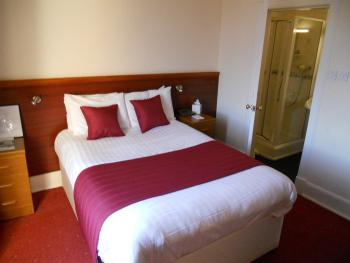 Double room-Ensuite with Shower-Small Double with Shower