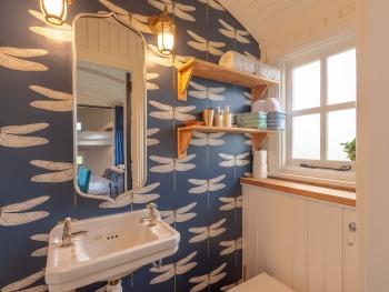 En Suite in Demoiselle, our luxury shepherd's hut