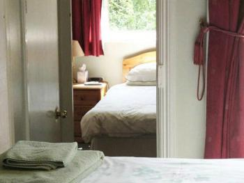 Family-Ensuite-3 Adults