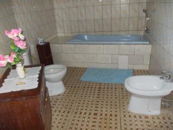Salle de bain baignoire et douche ( Case Bungalow Exclusive Prince