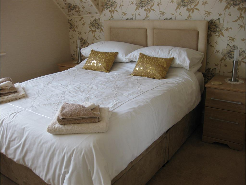 Double room-Ensuite-side sea view