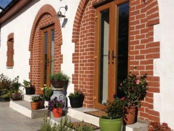 Bronhaul Farm Cottages - Coach House