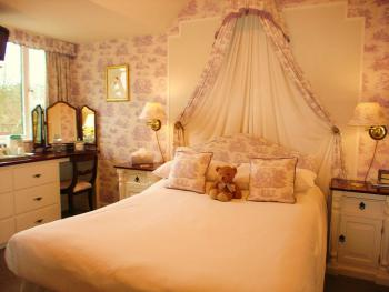 Double room-Ensuite with Bath-(Second Floor)