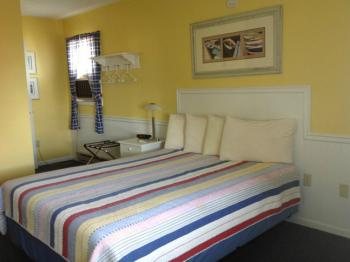 Queen Beds in our Lake View Rooms - 1st and 2nd Floor Rooms available