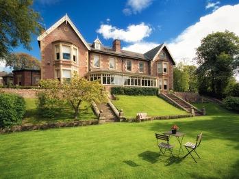 Eslington Villa -