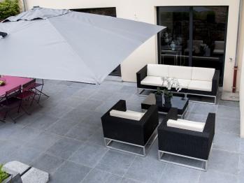 Vous irez vous relaxer sur la très grande terrasse?