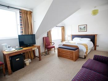 Family room-Standard-Ensuite-Sea View-2 adults 1 Child