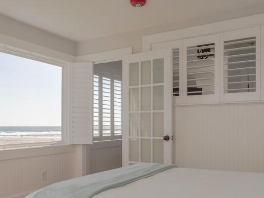 Double room-Ensuite-Standard-Ocean View-112- Main House, 1 queen,