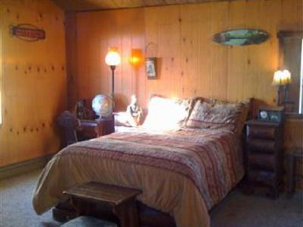 Sportman's Cabin.