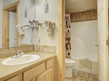 2 Bedroom Suite Bathroom