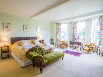 King-Superior-Ensuite-Garden View-Gainsborough