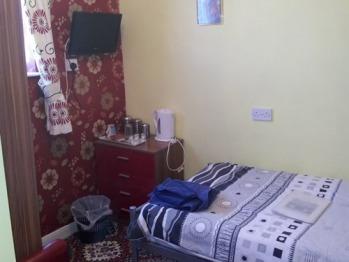 Single room-Shared Bathroom-with shared facilities