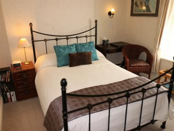 Single room-Superior-Ensuite-Caernarfon.