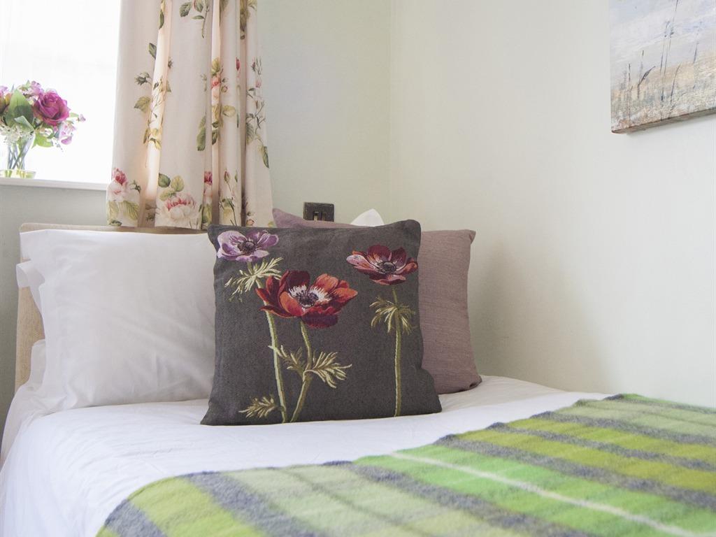 Room 7 - Single En-suite