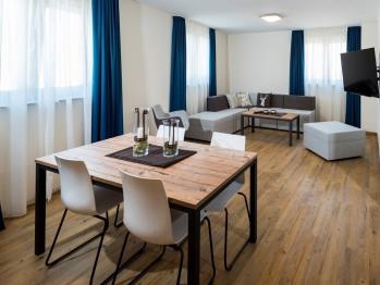 Familienzimmer-Suite-Eigenes Badezimmer - Basistarif