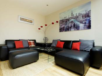 Select Serviced Apartments - ample seating area