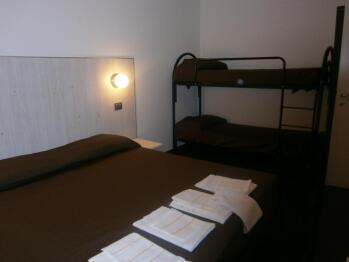 Appartamento-Familiare-Bagno in camera con doccia-Balcone-Enrico Fermi - Tariffa di base