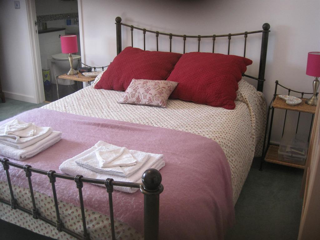 Pink Room - Double Ensuite