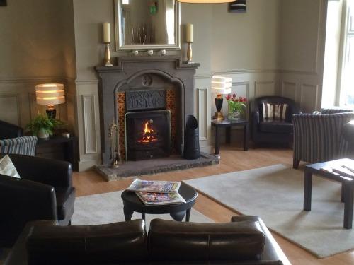 Guest Lounge / Bar