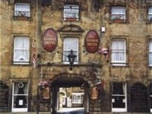 The George Hotel - Crewkerne - The George facade