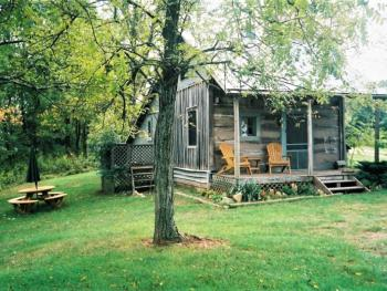 Writer's Retreat-Log Cabin-Private Bathroom-Romantic-Countryside view.