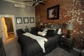Renate room 1