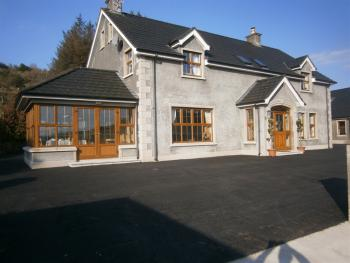 Glenn Eireann House - B&B outside view
