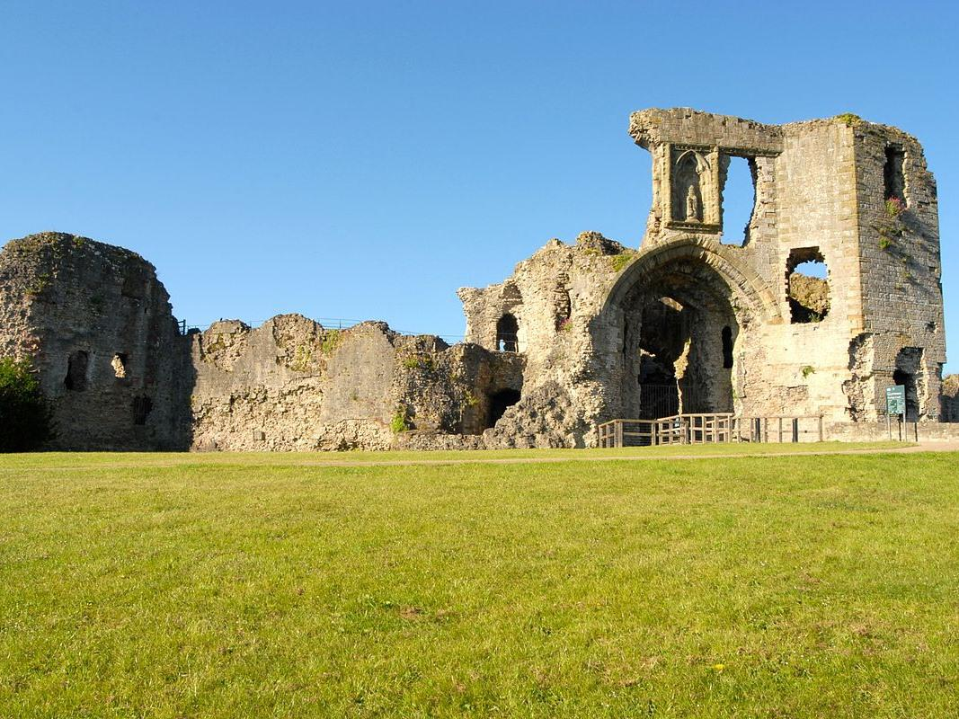 Denbigh Castle - 5 minutes walk