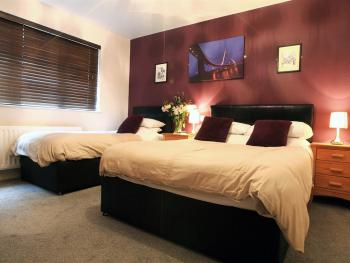 Luxury Twin room en-suite with private bathroom