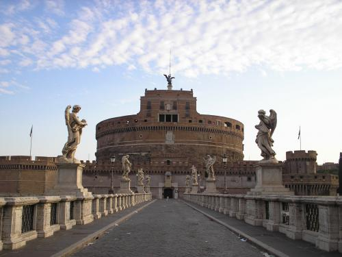 Castel Sant' Angelo nelle immediate vicinanze