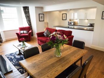 Apartment-Suite-Ensuite-2 Bedroom self Catering