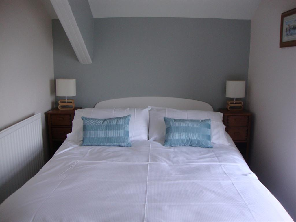 Double room-Standard-Ensuite with Shower-Partial sea view-Room 4