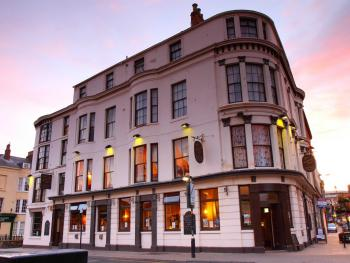 Dickens Bar and Inn -