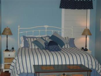 Double-Ensuite-Standard-Guest Suite