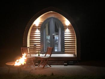 Cabin-Comfort-Shared Bathroom-Garden View-Pod1 - Merlin