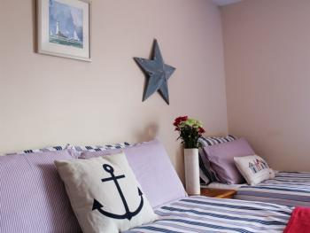 Spacious Twin and Triple bedrooms at Seawinds B&B