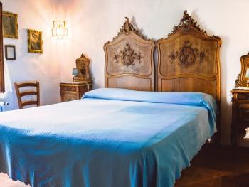 Matrimoniale-Comfort-Bagno privato-Vista giardino-Camera Matrimoniale Noemi