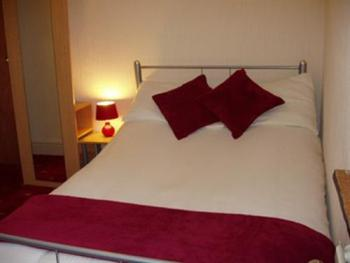 Single room-Ensuite-Large - Base Rate