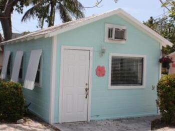 Cottage-Ensuite-Standard-Patio-Cottage 10 - Base Rate