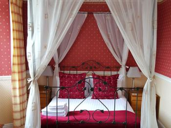 Double room-Ensuite-Sea View-Four Poster