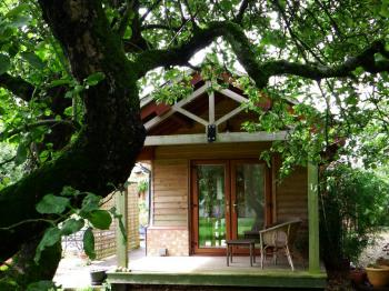 Double room-Standard-Ensuite with Shower-Garden View-The Orchard